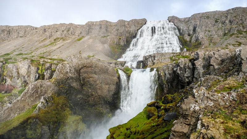 Circuit guidé en Islande, cascade Dynjandi dans les fjords de l'Ouest