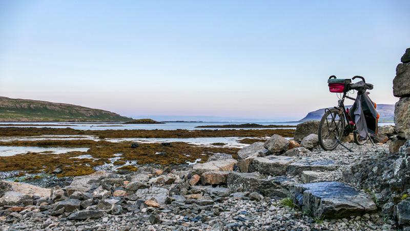 Islande à vélo de la péninsule de Snaefellsnes aux Fjords de l'Ouest, bain chaud à Flokalundur