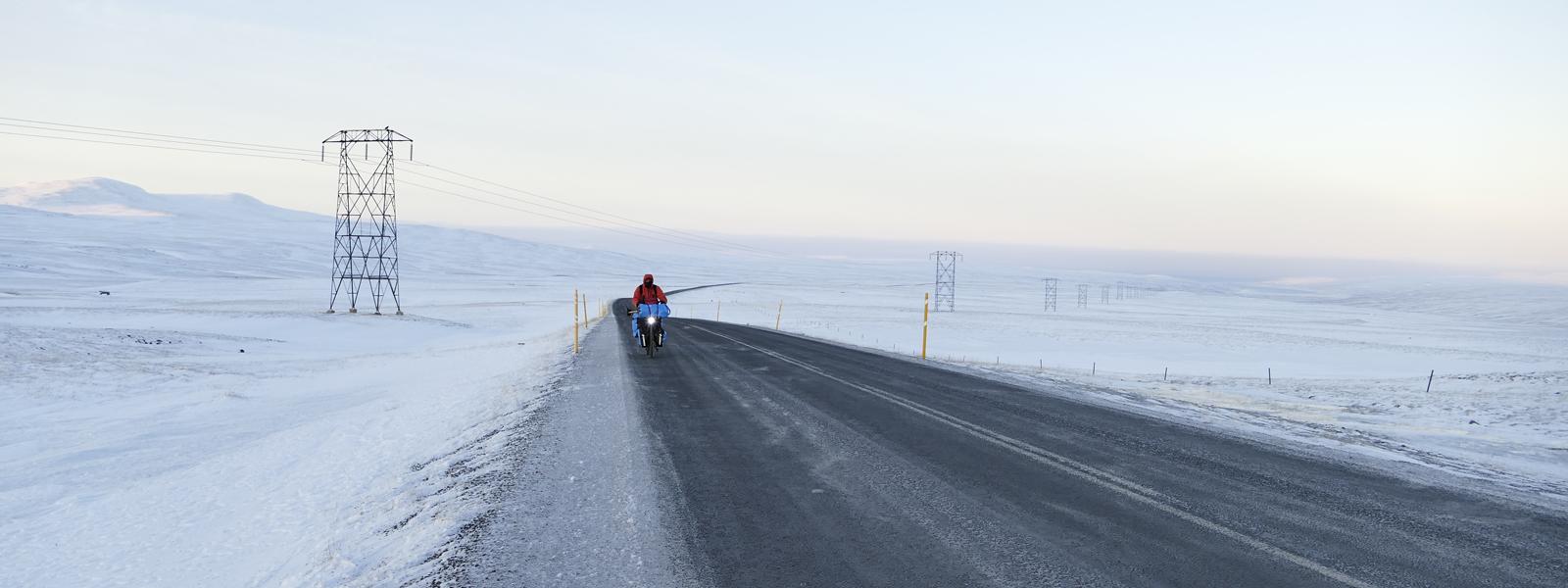 Circuit en Islande à vélo en hiver, sur la route numero 1